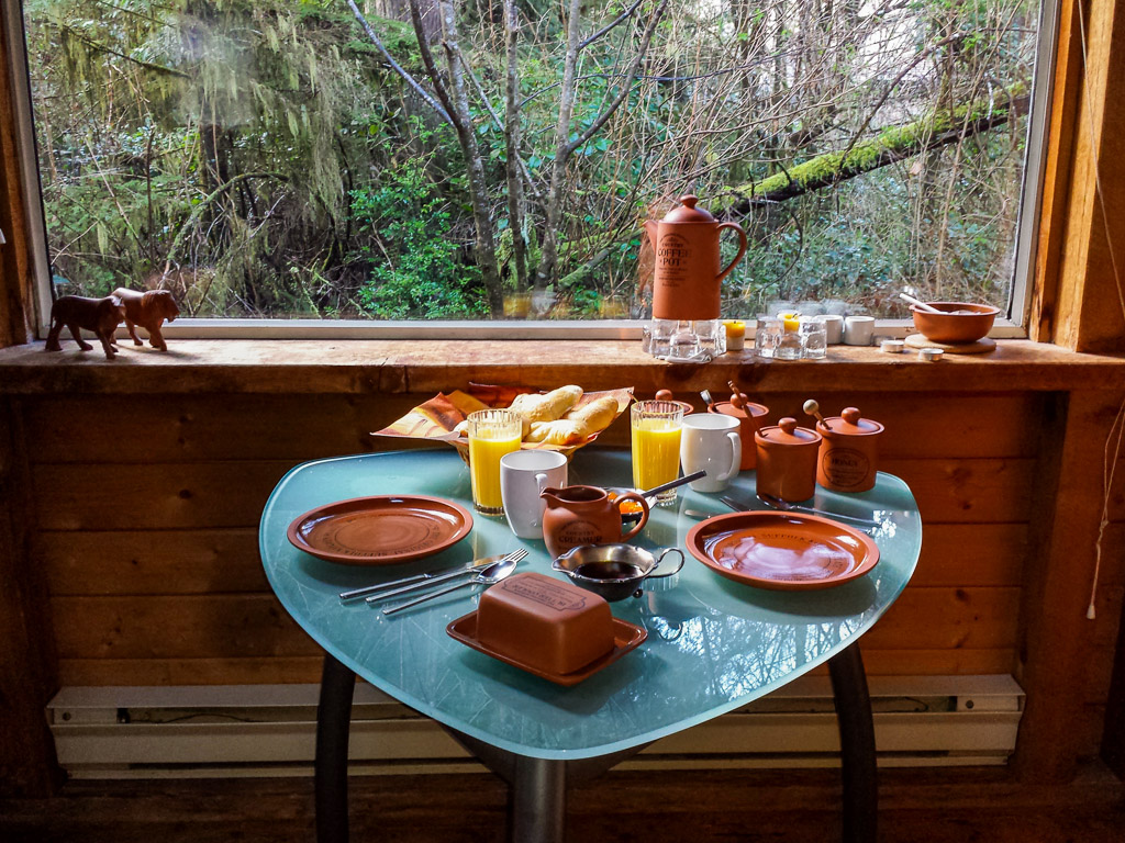 African Beach Cabin Breakfast